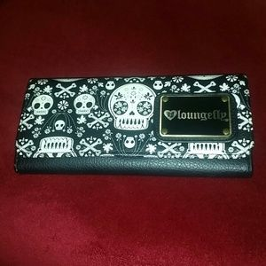 LOUNGEFLY SCULLY WALLET